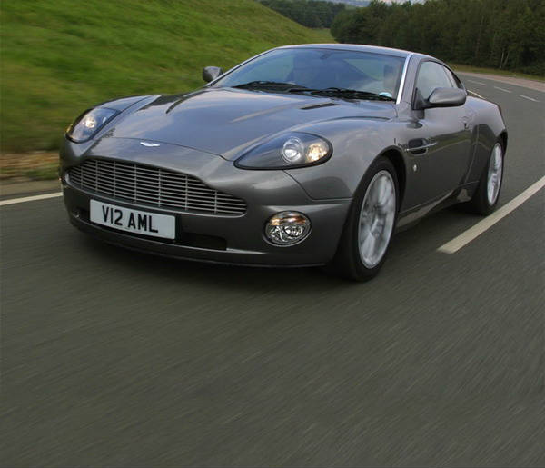 2006-Aston-Martin-Vanquish-2