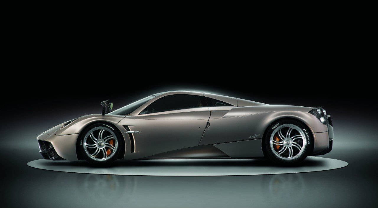 pagani huayra co starring in transformers 4 no car no fun muscle cars and power cars no car. Black Bedroom Furniture Sets. Home Design Ideas