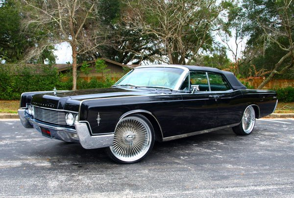 Lincoln Continental With Installed Jl Audio Sound System