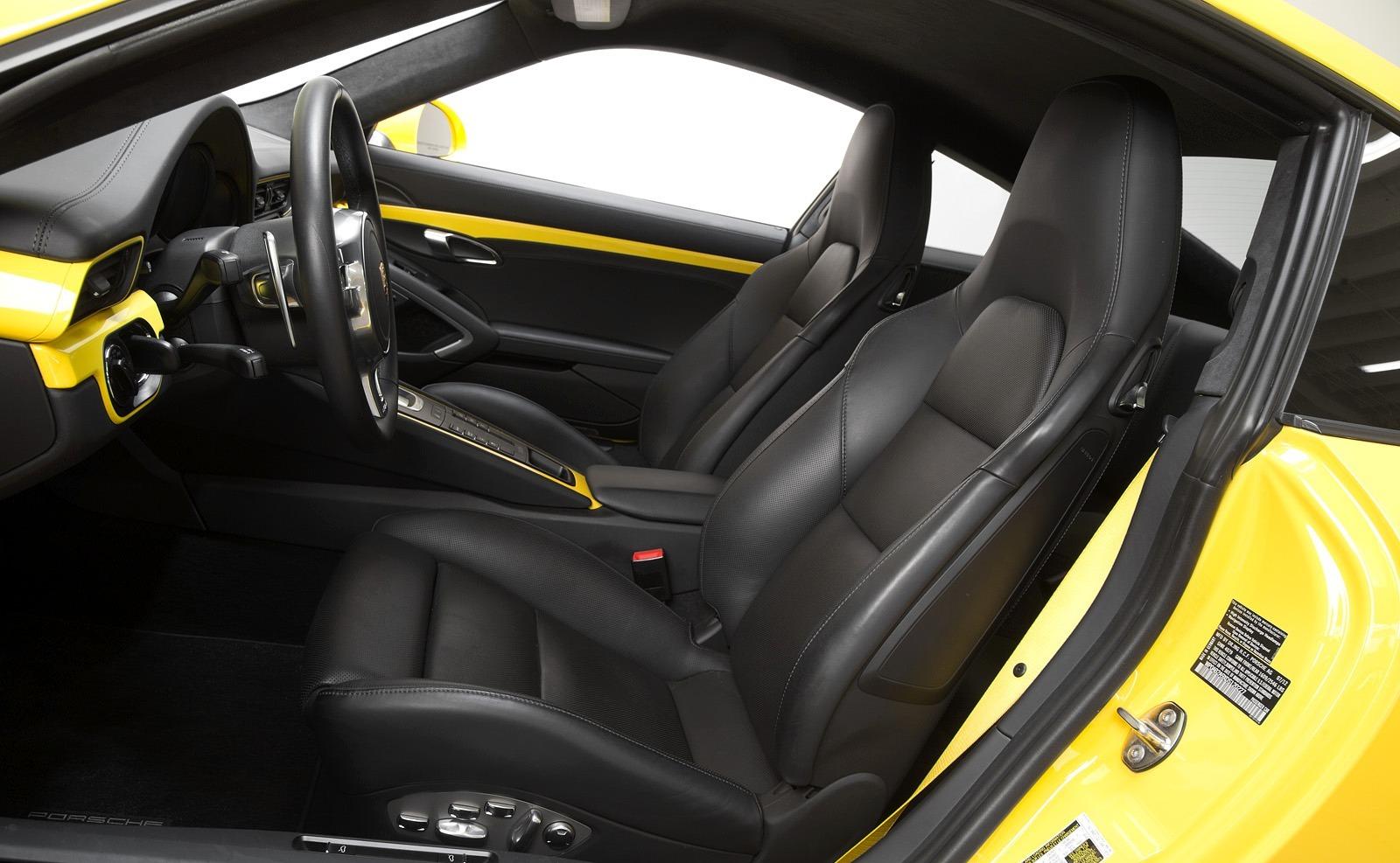 2014 Chevrolet Corvette Stingray Z51 Vs 2014 Porsche 911 ...