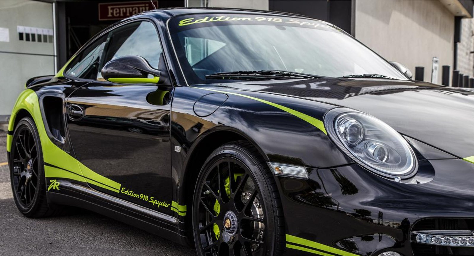 2011 porsche 911 turbo s 6 no car no fun muscle cars and power cars. Black Bedroom Furniture Sets. Home Design Ideas