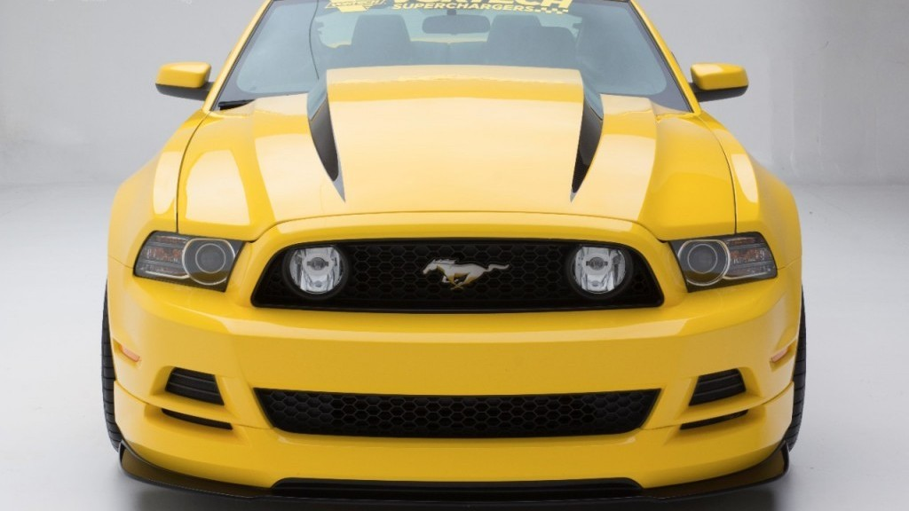 Ford Mustang Gt Yellow Jacket