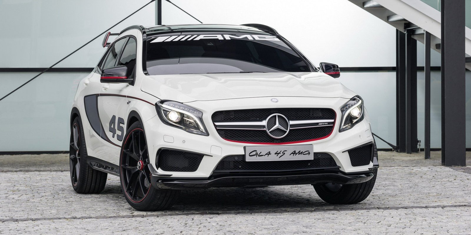 2013 mercedes gla 45 amg no car no fun muscle cars and power cars. Black Bedroom Furniture Sets. Home Design Ideas