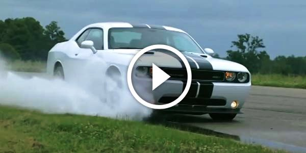 SLOW MOTION – 2012 Dodge Challenger SRT8 392 – DOING SOME CRAZY DRIFTING and STUNTS!