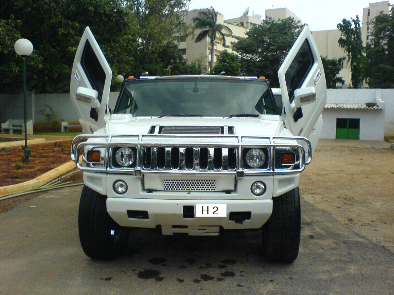 White Siccor Doors Hummer Front View