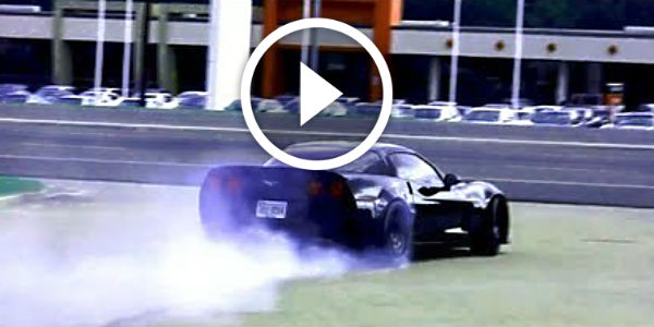 (FULL HD) ALMOST DIED ON THE ROAD – 800HP Z06 Corvette DOING STUPID BURNOUT! 18+ Wheeler Coming….!