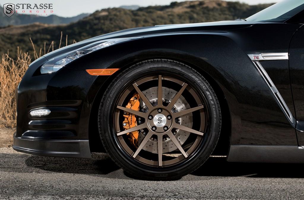 Black Nissan Gt R On Bronze Strasse Forged Wheels Front