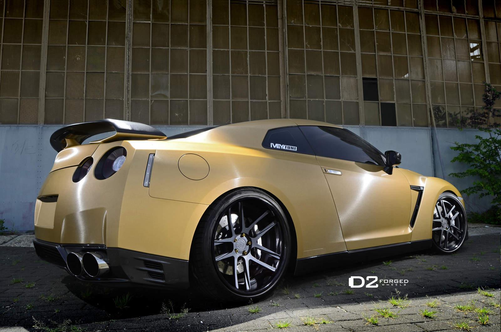 Matte Gold Nissan Gtr D2forged Cv8 Wheels Three Quarter