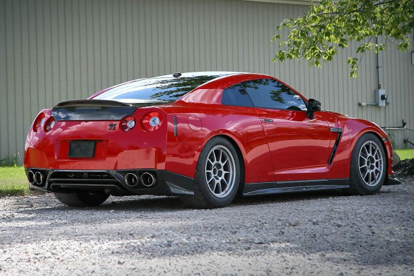 switzer-r1k-x-gt-r-red-katana-rear right view