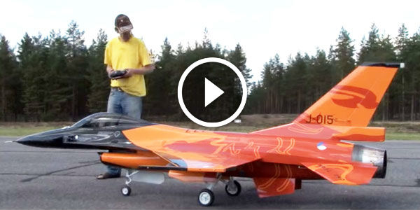 Gorgeous 1 4 Scale Model Rc Of The Jet F 16 Flies In The