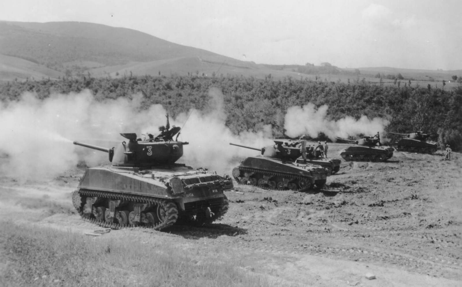 Tanks Sherman M4 In Action Side View No Car No Fun