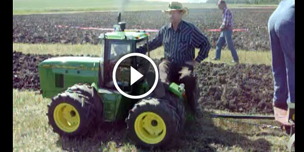 HILARIOUS – 1/4 Scale John Deere Plowing – THE OWNER is so HAPPY!