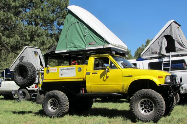 Toyota Hilux Pickup on 1980 Chevy Magnum