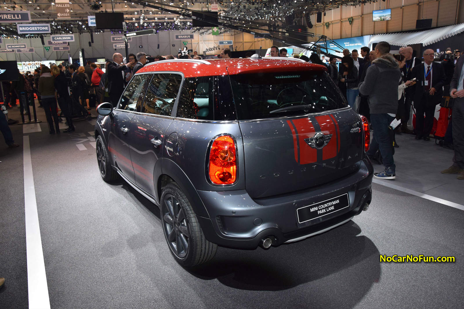 Mini Countryman Park Lane Front Three Quarter At The 2015