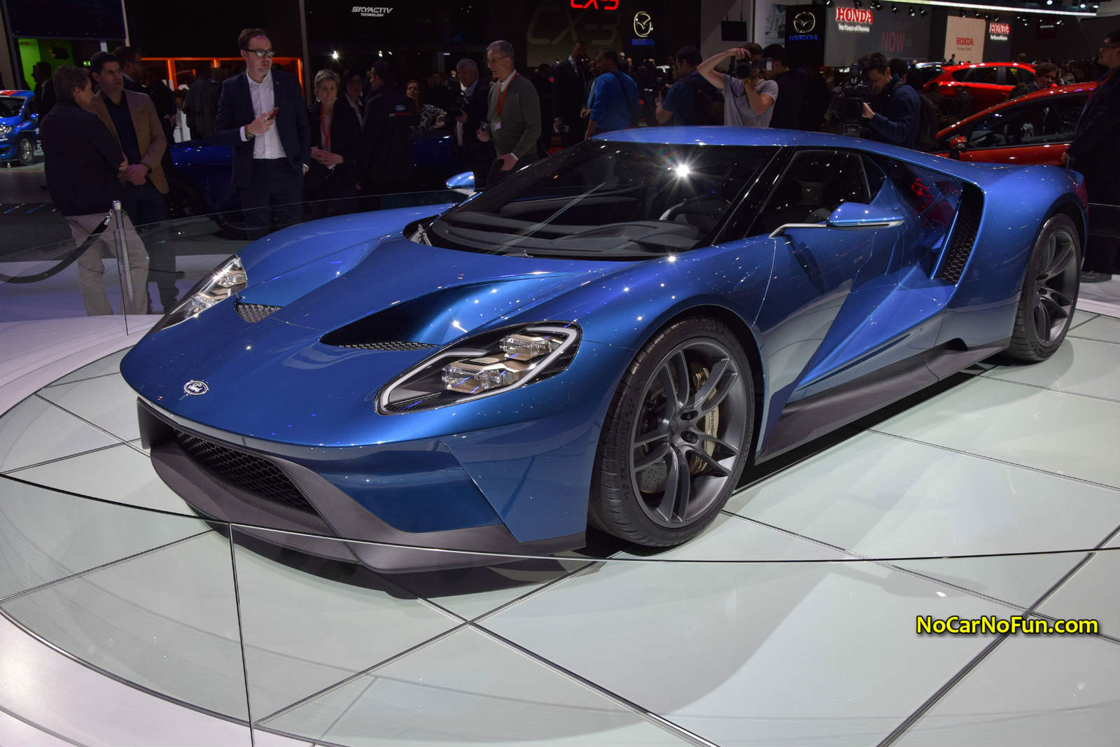 2016 ford gt 09 2015 geneva motor show front three for Anything with a motor