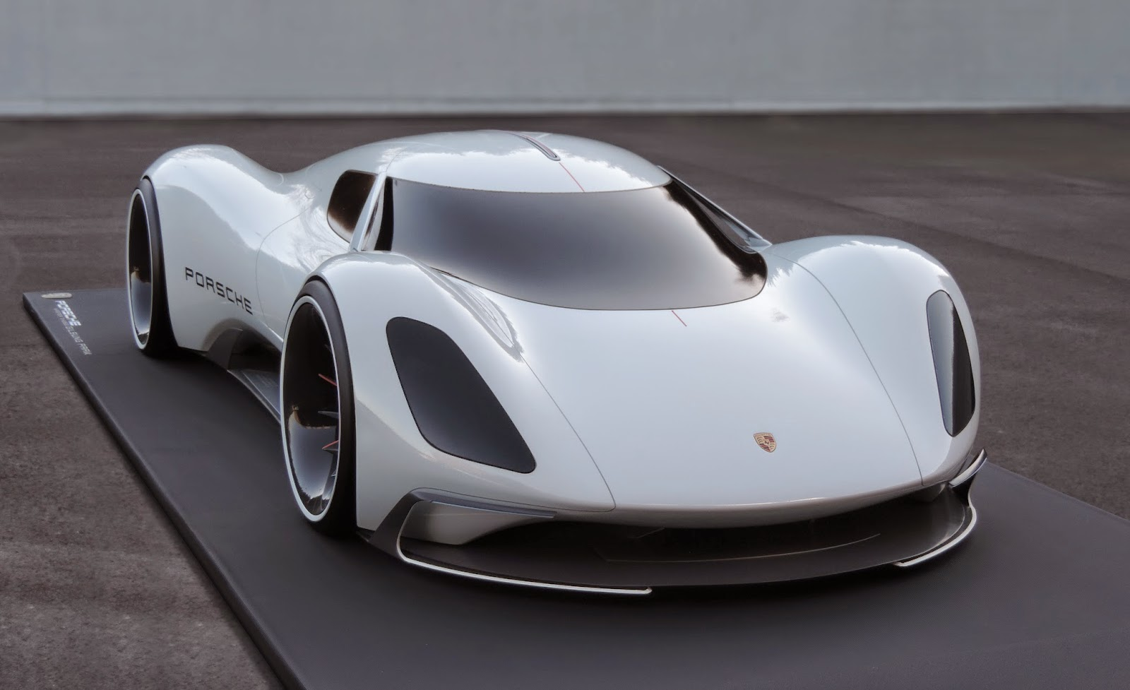 Porsche Electric Le Mans 2035 Prototype front end - NO Car ...