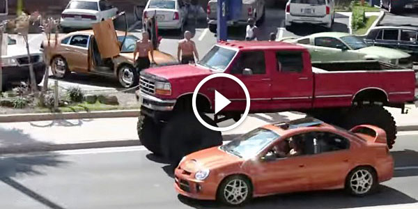 Check Out This INCREDIBLY TALL LIFTED FORD TRUCK Driving On The Streets Without A Problem! - NO ...
