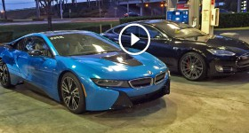 Tesla P85D Insane Mode vs BMW i8 Drag Racing from a Stop