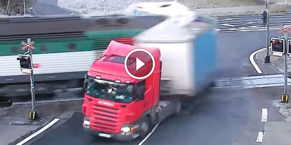 Train SMASHES A Scania Semi Truck IN A GREAT FURY In Frýdek-Místek, Czech Republic!!! Luckily No One Got Hurt!!!