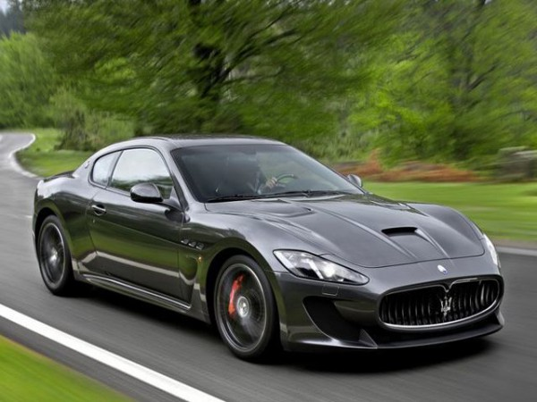 Maserati GranTurismo front three quarters in motion