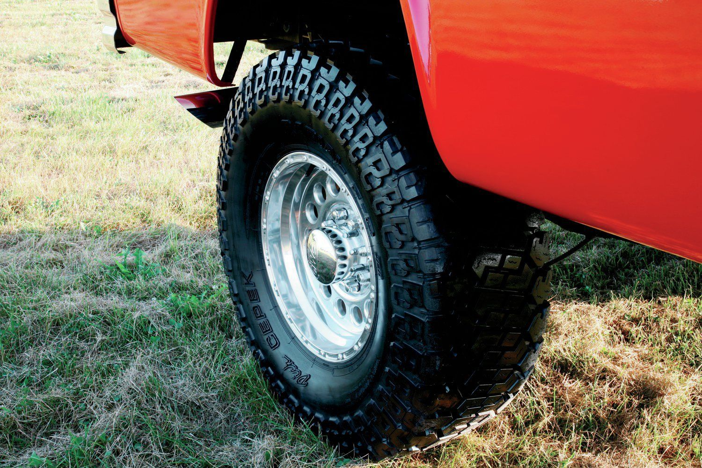 1970 dodge crew cab cummins swap power wagon wheel close up no car no fun muscle cars and. Black Bedroom Furniture Sets. Home Design Ideas