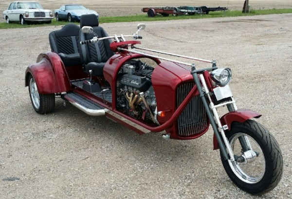 Custom trike with Corvette LS1 engine - big
