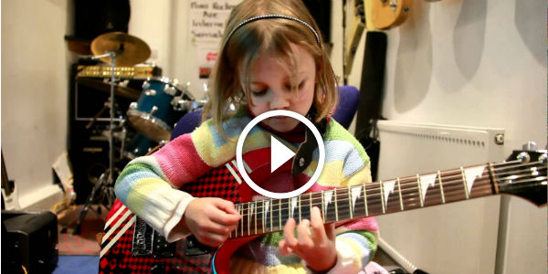 Adorable 7 YEAR OLD Zoe Thomson Plays Sweet Child O' Mine By Guns 'N' Roses! SLASH WOULD BE SO PROUD!!!