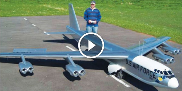 UNBELIEVABLE Large Scale RC B-52 Plane In Its Maiden ...