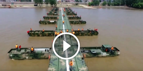 The Chinese Military Built 1,150 METERS LONG Pontoon Bridge In JUST 26 MINUTES! Russian Soldiers Are Not The Only Ones Who Rock!