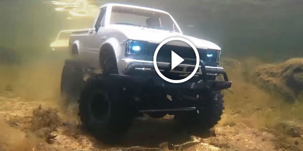 2015 Dodge Magnum >> Mind-blowing 4x4 RC Trucks Underwater POV Footage! At 0:15 The Trucks Are COMPLETELY UNDERWATER ...
