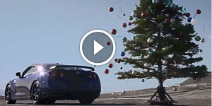 Undecorating the Tree with a Nissan GT-R - Christmas Tree Undecorated