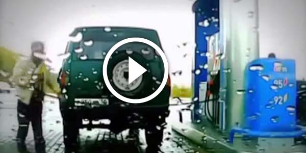 Totally Hilarious !!! What Do You Do When The Gas Hose Pump Is Too Short? See This Guy And His Cool Trick!!!